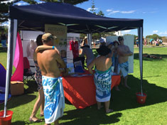 Spotscreen assisting Skinny Dip participants