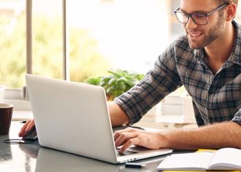 Man providing a testimonial online